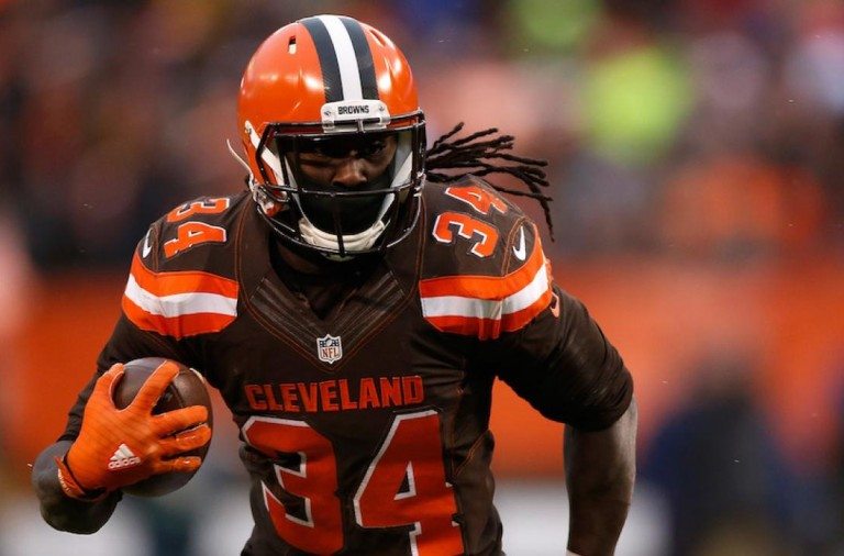 isaiah-crowell-browns-officer-throat-slit-photo
