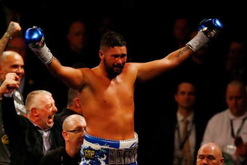 Tony-Bellew-celebrates-winning-the-fight