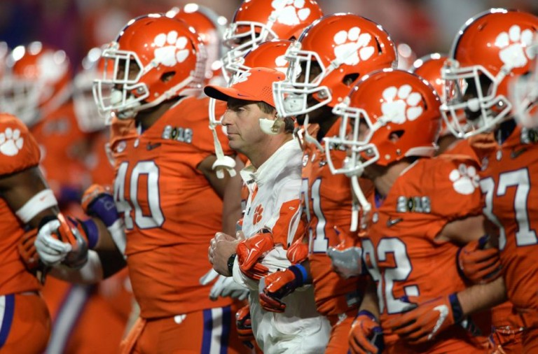 Clemson-College-football-game